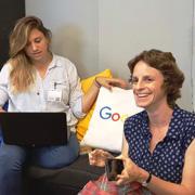 """סטודנטים ל-MBA בסיור לימודי בקמפוס גוגל ת""""א"""
