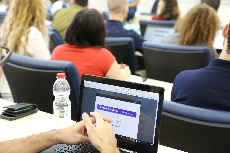 """לראשונה בישראל – תואר שני ומקוון במנהל עסקים – Tel Aviv Online MBA של הפקולטה לניהול ע""""ש קולר באוניברסיטת תל אביב"""