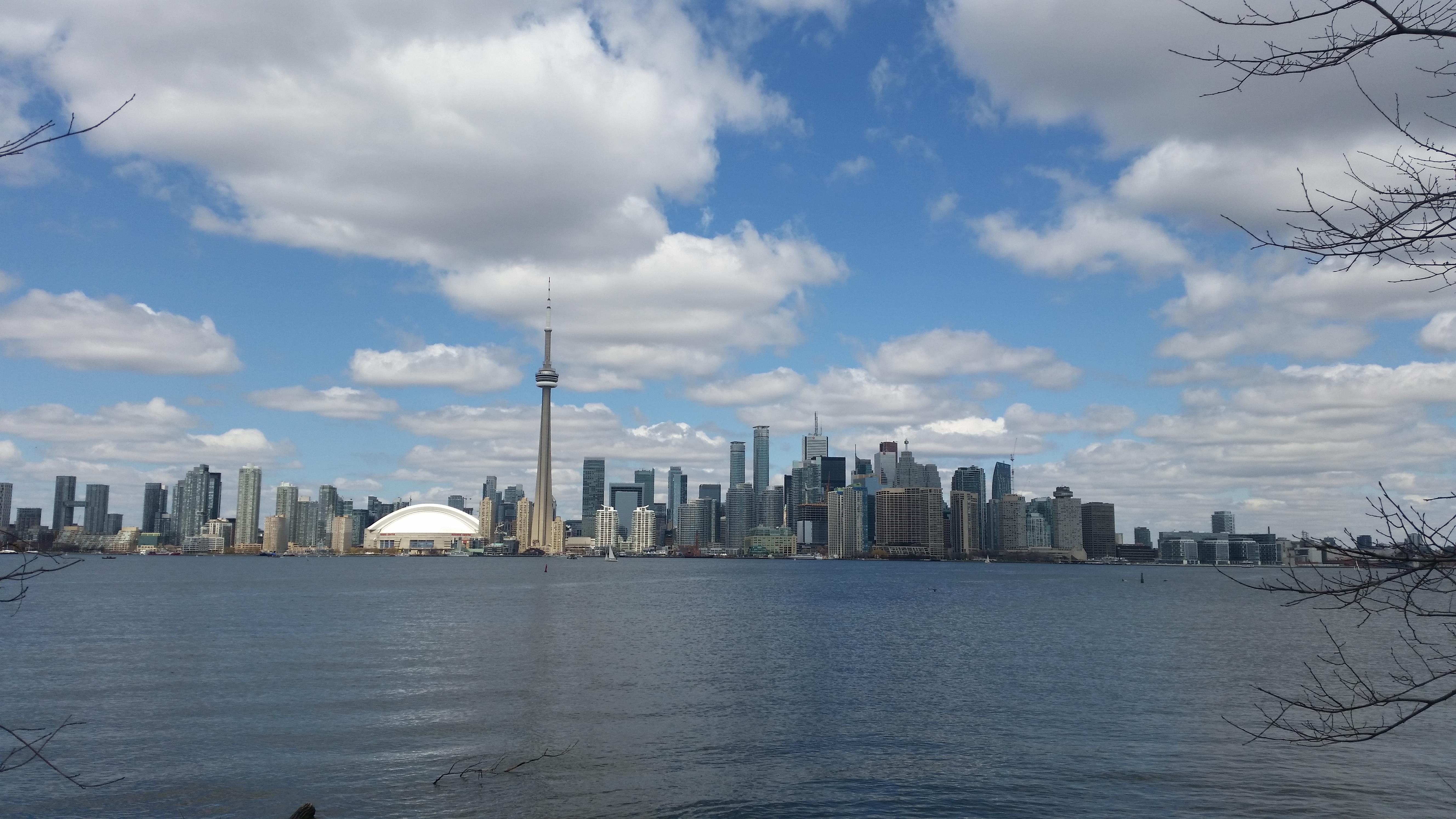 """משלחת סטודנטים יצאה לסיור לימודי בטורונטו ללמוד על שוק הנדל""""ן הקנדי"""