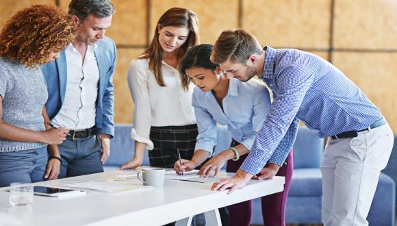 """ארגון הבוגרים של הפקולטה לניהול מארח: """"חמש בקולר"""" - סדרת הרצאות על ניהול"""